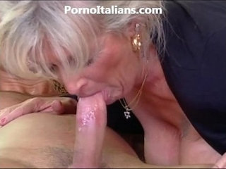 Milf blonde gets beat by muscled stud and features milf di fa scopare dotato | blondemilfmuscle
