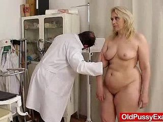 Blond haired chubby milf explored by cunt doctor | blondechubbycuntdoctor