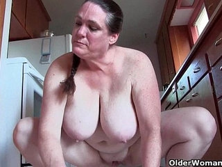 Granny with big tits cleaning the kitchen naked   big titsgrannykitchennaked