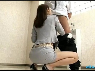 Office Lady Giving Blowjobs For Guys Cums To Mouth In The Toilette | blowjobcumgaymouthoffice