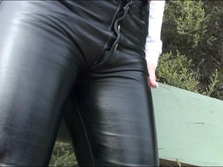 Big titted chick in sexy black leather pants | blackchickleathersexytitjob