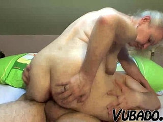MATURE COUPLE FUCK HARD ON BED !! | bedcouplemature