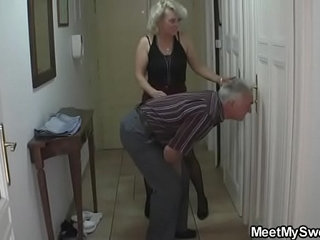 She gets lured into 3some by his parents | 3some